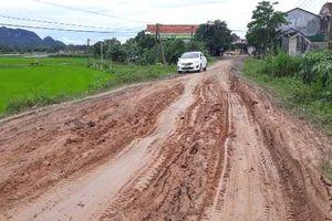 Nghệ An: Dân khốn khổ vì tuyến đường liên xã dang dở