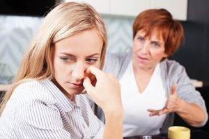 Hôn nhân đổ bể chỉ vì hàng xóm không nhìn mặt nhau là chị gái của mẹ chồng