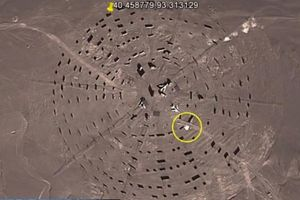 Trung Quốc bị lộ căn cứ quân sự tuyệt mật giữa sa mạc vì Google Earth?