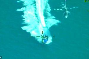 Nghẹt thở xem trực thăng hải quân truy bắt tội phạm ma túy trên biển