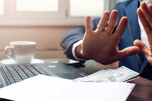 Làm sao để cán bộ, công chức không vòi vĩnh doanh nhân?