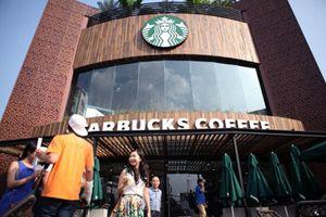 Nikkei lý giải vì sao chuỗi cà phê Việt thắng Starbucks