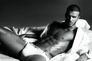 David Beckham sử dụng chất liệu độn khi quảng cáo nội y