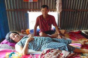 LD893: Người thân bệnh nặng, gia đình nghèo không có tiền chữa trị