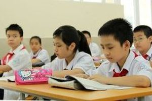 Danh sách học sinh nghèo hiếu học nhận học bổng 'Quỹ Hạt giống Việt' Báo Nhân Dân