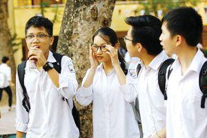 Tuyển sinh vào lớp 10 Hà Nội: Mỗi trường ủng hộ một phương án