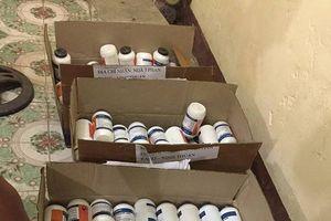 Bắt giữ xe khách vận chuyển 200 hộp tiền chất thuốc nổ