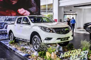Chi tiết Mazda BT-50 phiên bản một cầu, số tự động lần đầu ra mắt