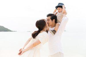 Khoảnh khắc không thể 'ngọt' hơn của gia đình Ngọc Lan - Thanh Bình trên đảo ngọc