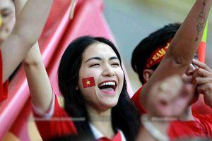Hòa Minzy 'phản pháo' khi dính nghi vấn sang Indonesia cổ vũ 'tình cũ' Công Phượng