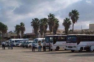 Syria mở cửa khẩu tiếp nhận hàng trăm người tị nạn hồi hương