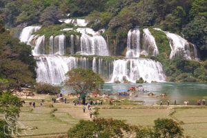 Chuyên gia UNESCO khảo sát Công viên địa chất Non nước Cao Bằng