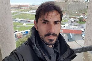 Thoát chết trong gang tấc khi rơi từ độ cao 50 m vụ cầu sập ở Italy