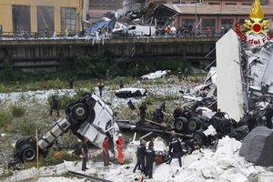 Sập cầu cao tốc ở Italia, nhiều phương tiện rơi từ độ cao 90 m