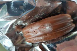 Đau bụng, nôn liên tục sau khi ăn bánh Choco Pie bị mốc