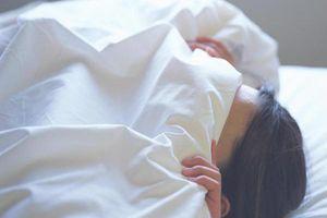 Chớ dại gấp chăn màn kiểu này nếu không muốn rước bệnh vào người