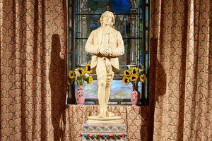 Tác phẩm Đền Oscar Wilde - phiên bản lịch sử sáng tạo