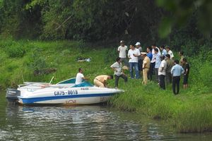 Phát hiện xác người đàn ông nước ngoài lõa thể nổi trên sông Hương