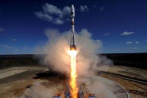 Tranh cãi quanh vệ tinh hay vũ khí Nga khiến Mỹ lo 'sốt vó'
