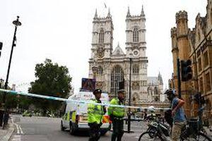 Lộ danh tính nghi phạm vụ đâm xe tòa nhà Quốc hội Anh