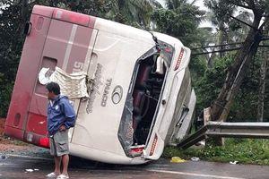 Lật xe khách đi Đà Lạt, nhiều người hoảng loạn