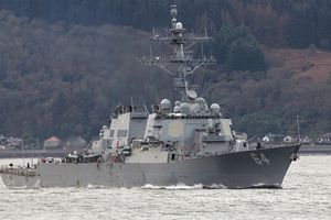 Chiến hạm Mỹ buộc phải rời khỏi Biển Đen