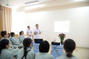Cung cấp kiến thức tự chăm sóc sức khỏe cho người bệnh
