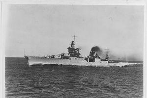 Số phận bi thảm của chiến hạm chở bom hạt nhân Mỹ tại hàm cá mập