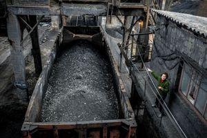 Sụp mỏ than với 131 người bên trong ở Nga