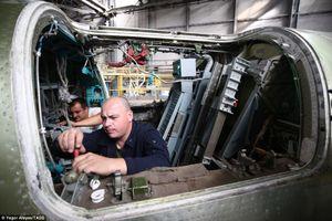 Cận cảnh lắp ráp oanh tạc cơ Tu-22M3M mới nhất của Nga