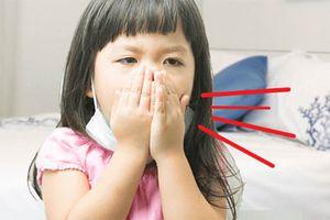 Trẻ ho có đờm, sổ mũi, mẹ làm đúng các cách sau đảm bảo khỏi nhanh!