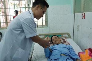 Bác sĩ vượt 500km đưa máy lọc máu đến cứu tân binh từ cõi chết trở về