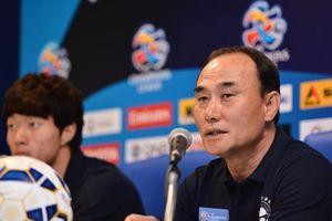 HLV Hàn Quốc nhận lỗi sau trận thua trước Olympic Malaysia