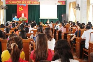 LĐLĐ TP Hà Tĩnh trao nhiều bằng khen cho tập thể, cá nhân