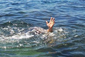 Hai vợ chồng cứu hai cháu nhỏ đuối nước không thành, 4 người tử vong