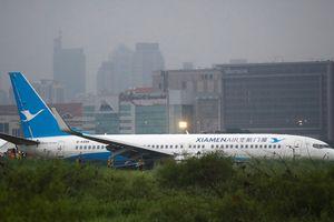 Máy bay chở 165 người trượt khỏi đường băng ở Philippines