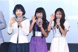 Nhóm nhạc nữ bị chê xấu nhất Trung Quốc tiếp tục hứng 'gạch đá'