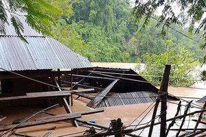 Hai dì cháu tử vong trong cơn lũ dữ ở Nghệ An