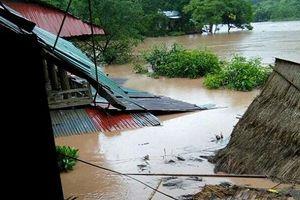 Bão số 4 gây mưa lũ dồn dập, 4 người chết và mất tích
