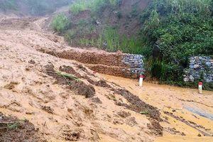 Thanh Hóa: Nhiều tuyến Quốc lộ bị sạt lở nghiêm trọng do mưa lớn