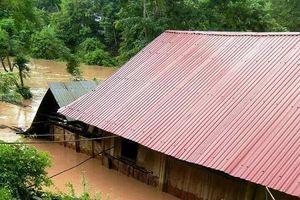 Mưa lũ càn quét Nghệ An, 5 người chết, hàng ngàn ngôi nhà ngập sâu