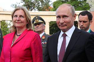 Ông Putin tặng quà cưới gì cho nữ Ngoại trưởng Áo ?