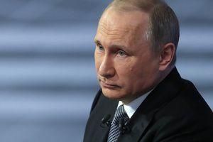 Đồng ruble sụt mạnh, người dân Nga vẫn trọn niềm tin với Tổng thống Putin