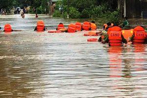 Nghệ An: Mưa lớn nhiều tuyến đường, bản làng bị cô lập, chia cắt