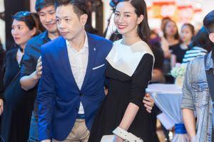 Mai Thanh Hà tươi trẻ cùng Thái Hòa trong buổi ra mắt 'Chàng vợ của em'