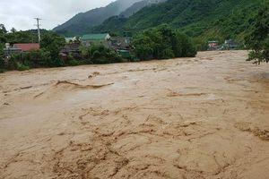 Nghệ An: 4 người bị nước lũ cuốn trôi tử vong