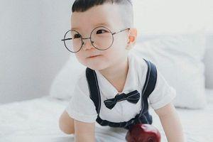 Bộ ảnh cực đáng yêu của con trai 'Hot girl dân tộc' Thu Hương