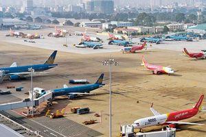 Bão số 4 đổ bộ: Hàng loạt chuyến bay bị hủy chuyến, đổi giờ bay