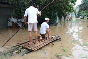 Thanh Hóa sau bão số 4: Hàng nghìn hộ dân ngập trong biển nước