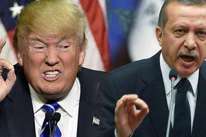 Mỹ dọa tung đòn trừng phạt mạnh hơn, Thổ Nhĩ Kỳ thề trả đũa